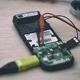 Testiranje elektronike na mobilnim telefonima