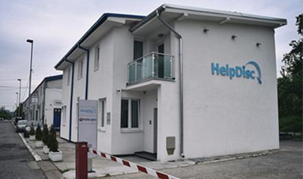 Zgrada i logo HelpDisca