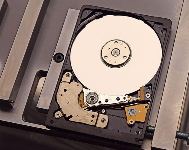 helpdisc-seagate-rosewood-otvoren-disk